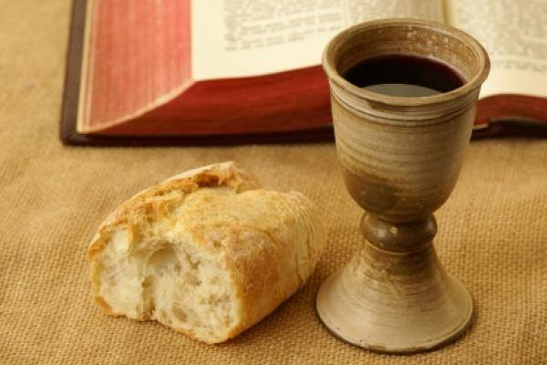 Hooray – Communion in one kind AND live music!